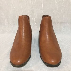 3e3fcfd3bc3df Faded Glory Shoes - Faded Glory Faux Leather Low Cut Ankle Boots 7